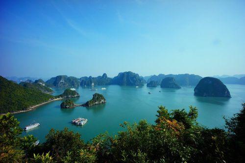 Die Inseln und Felsen beinhalten zahlreiche Höhlen und Grotten; Pixabay.com © ioa8320 (CC0 1.0)